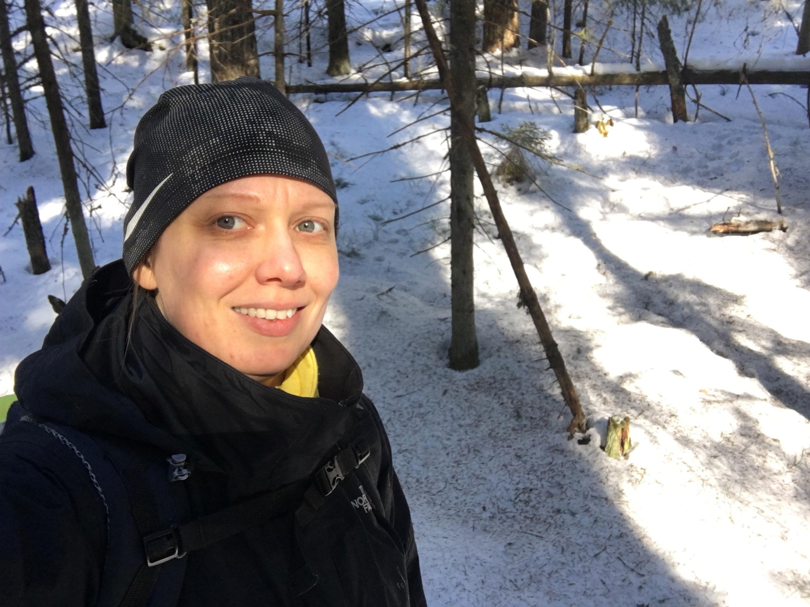 Blogin kirjoittaja Virva Nuuksiossa maaliskuussa 2018